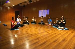 День йоги в Аскхалита